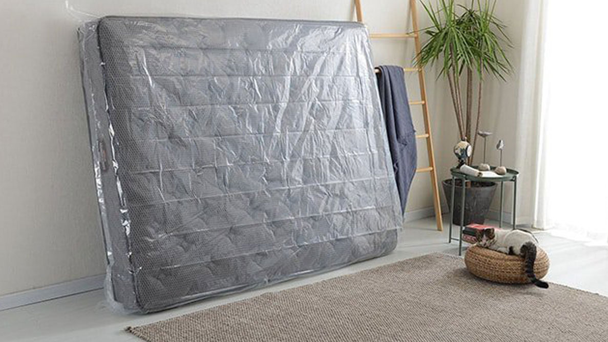 How to store a mattress 2